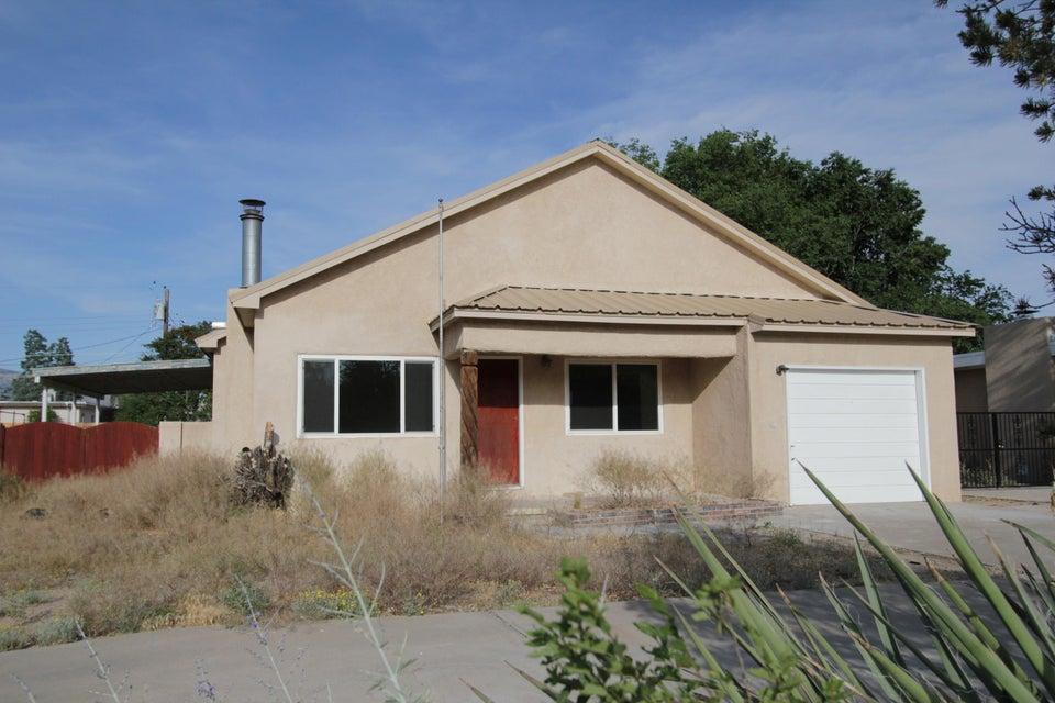 712 Florida Street SE, Albuquerque, NM 87108