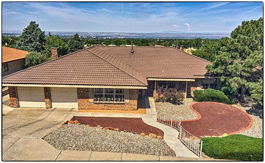 2905 Palo Alto Drive NE, Albuquerque, NM 87112