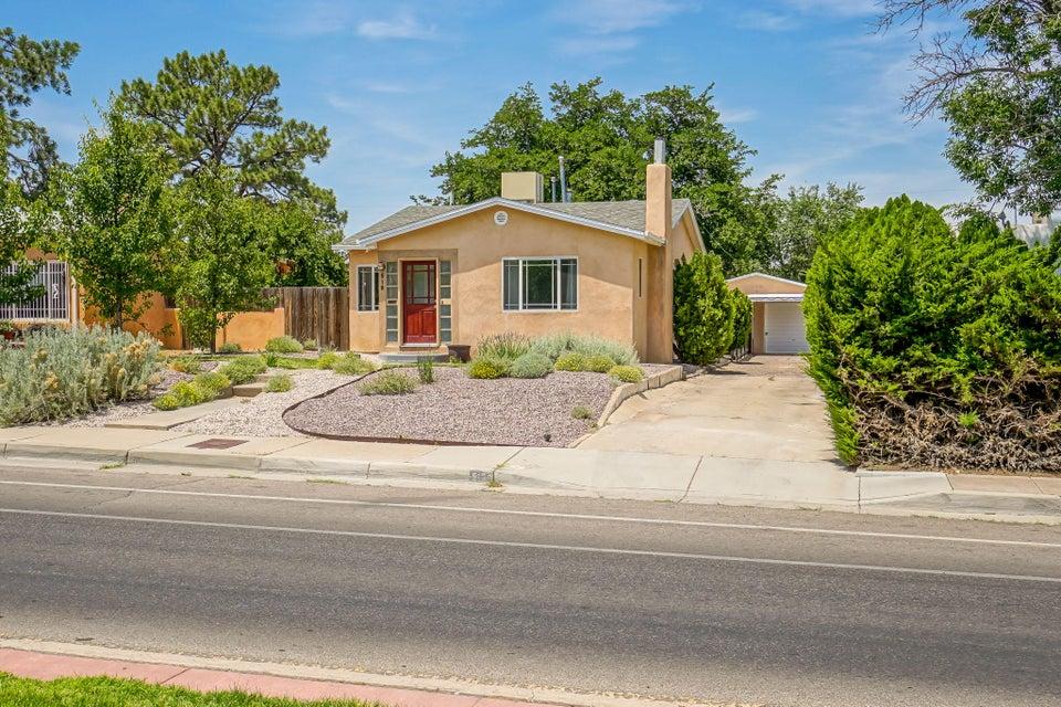 519 CARLISLE Boulevard SE, Albuquerque, NM 87106