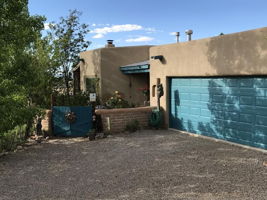 21 Cienega Canyon Road, Placitas, NM 87043