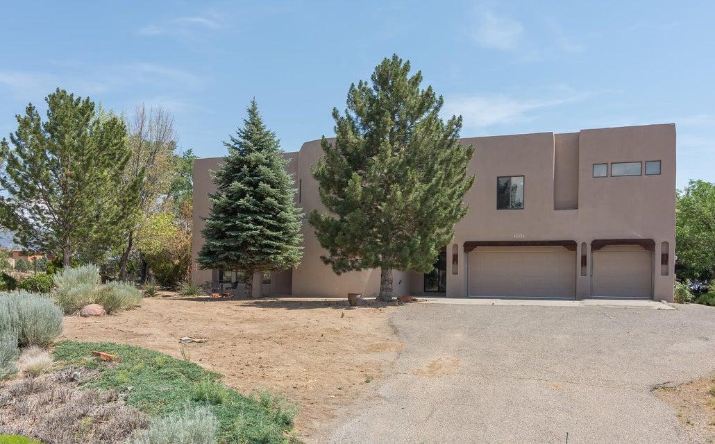9800 Elena Drive NE, Albuquerque, NM 87122
