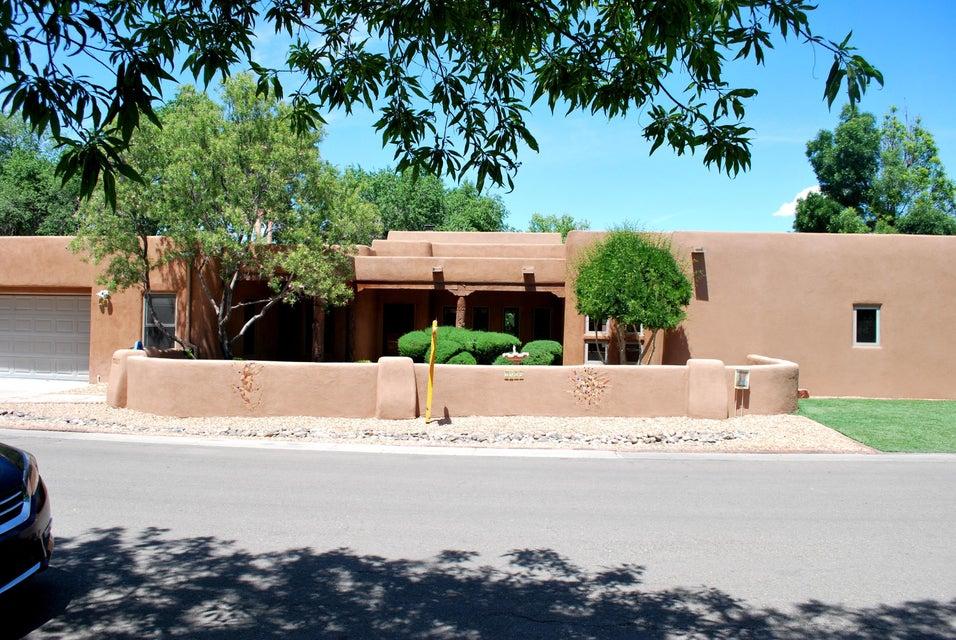 2505 Griegos Place NW, Albuquerque, NM 87107
