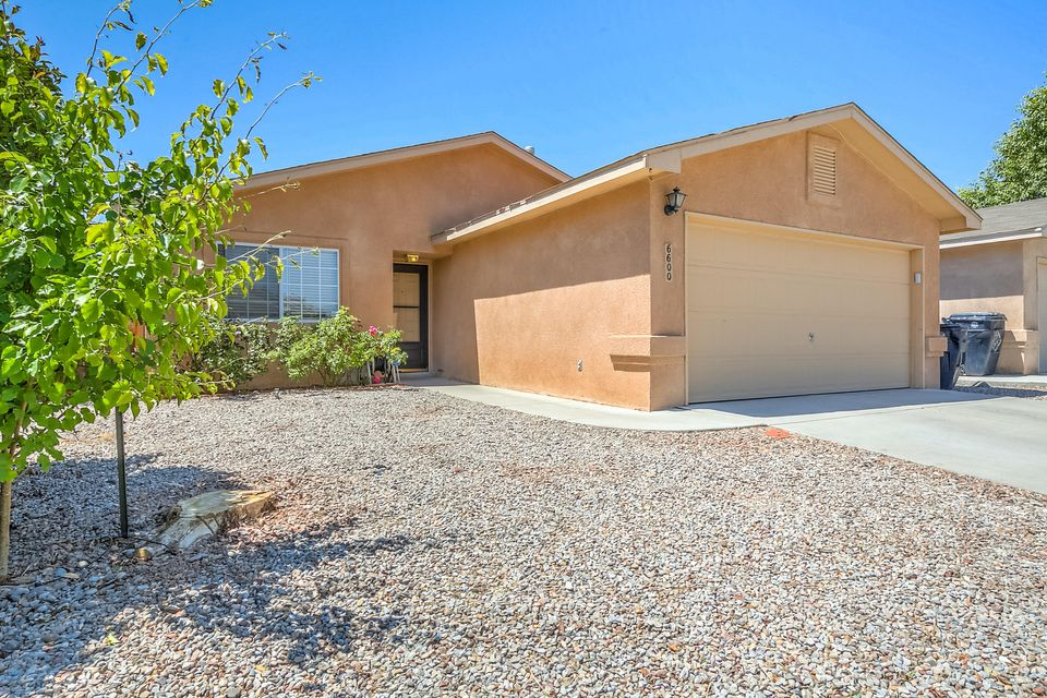 6600 Evesham Road NW, Albuquerque, NM 87120