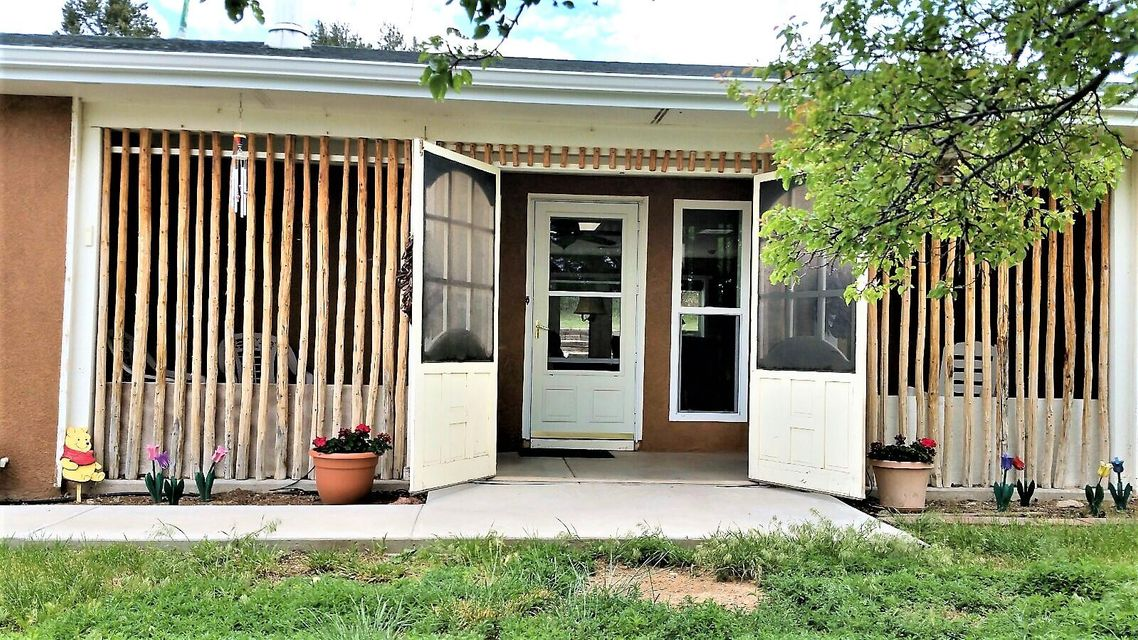 14 Valley Trail, Edgewood, NM 87015