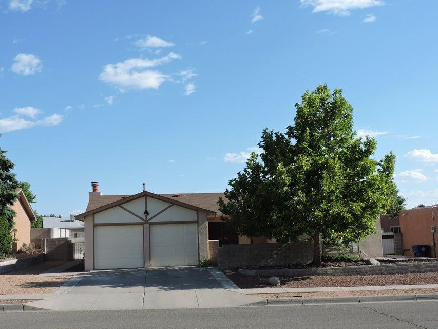 8718 Liberty Drive NE, Albuquerque, NM 87109