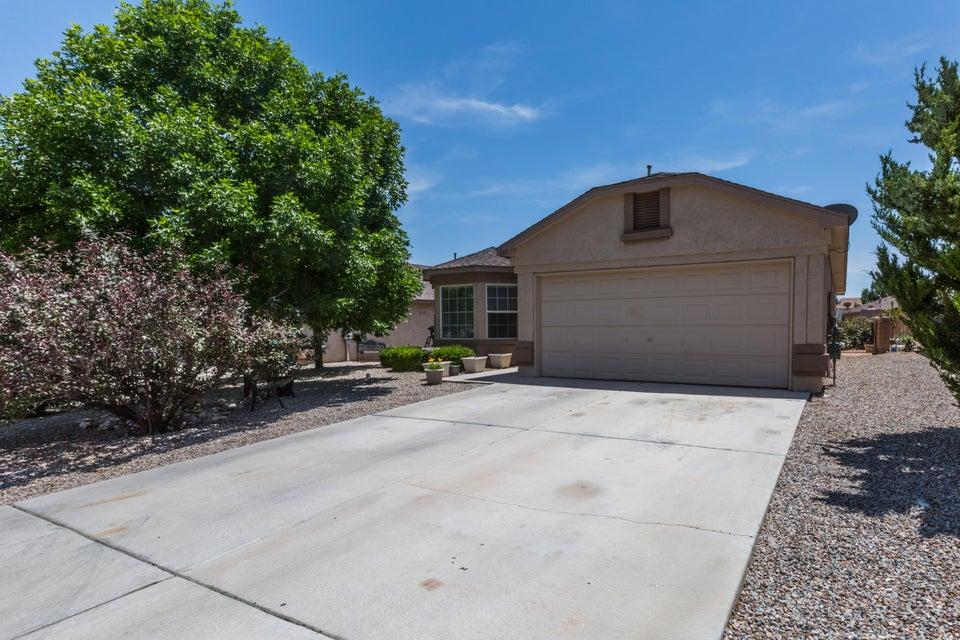 632 Sunny Meadows Drive NE, Rio Rancho, NM 87144