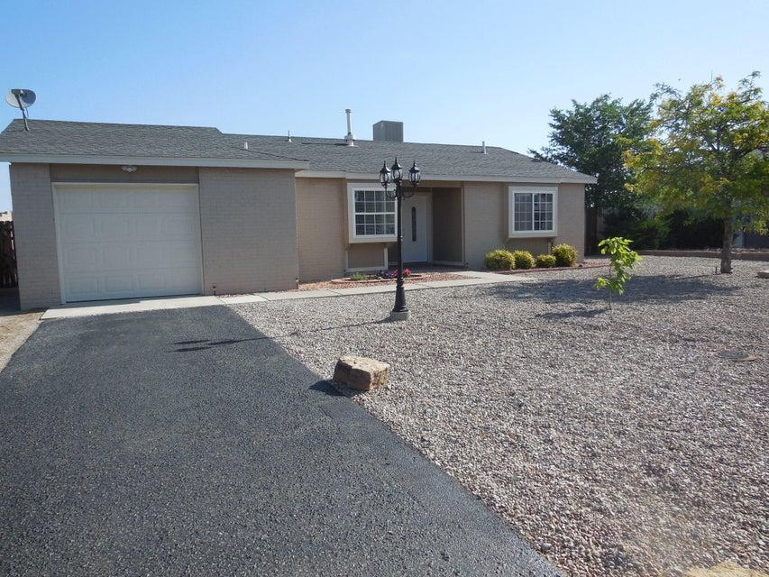 510 Apache Loop SW, Rio Rancho, NM 87124