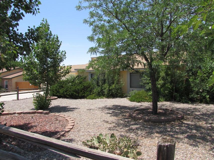 749 Littler Drive SE, Rio Rancho, NM 87124