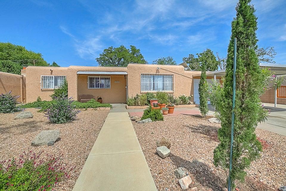 1028 Arizona Street SE, Albuquerque, NM 87108