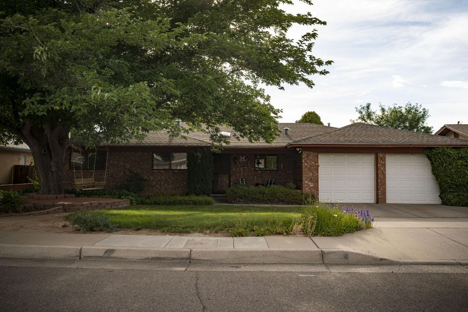 2817 Kentucky Street NE, Albuquerque, NM 87110