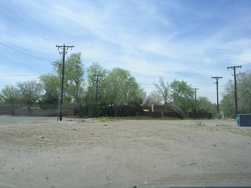 6245 4TH Street NW, Albuquerque, NM 87107