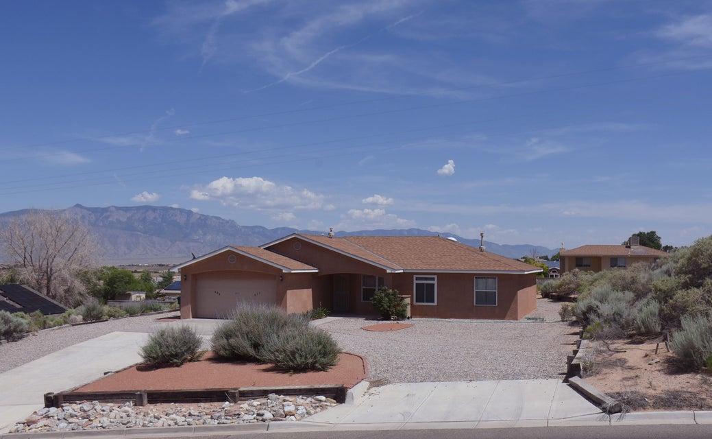 202 Silent Spring Drive NE, Rio Rancho, NM 87124