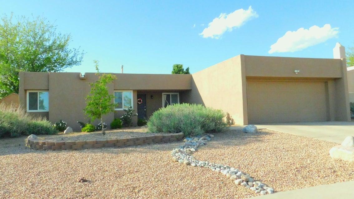 8213 Krim Drive NE, Albuquerque, NM 87109
