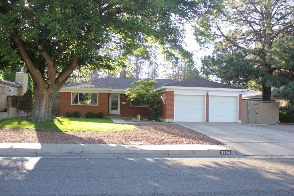 2904 Rhode Island Street NE, Albuquerque, NM 87110