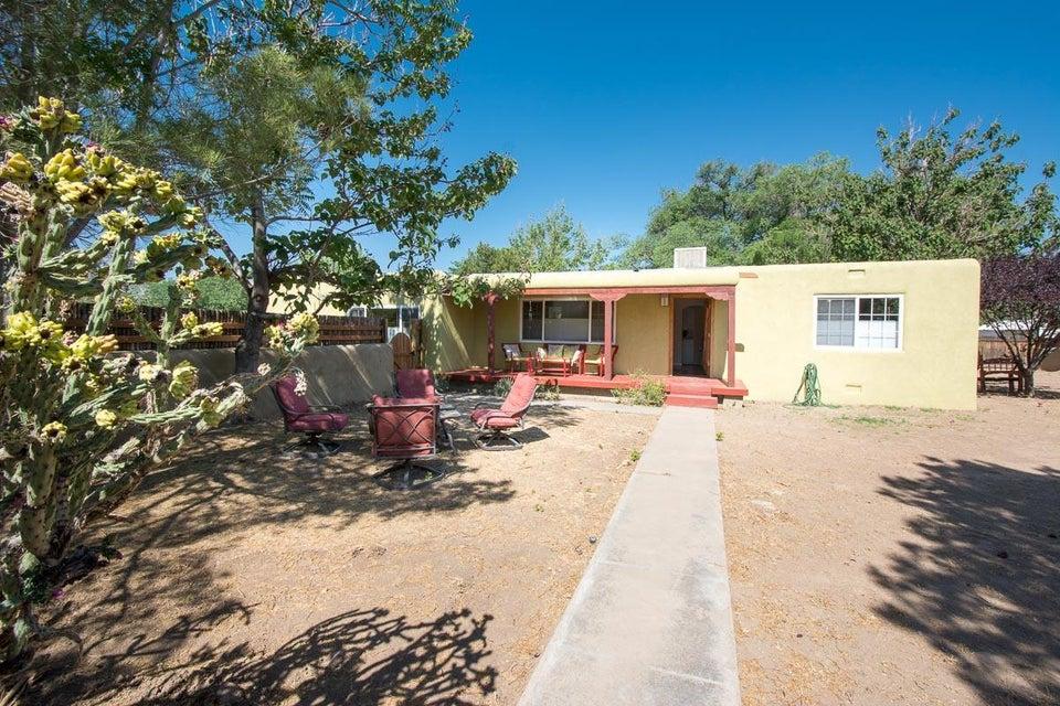 6817 Tierra Drive NW, Albuquerque, NM 87107