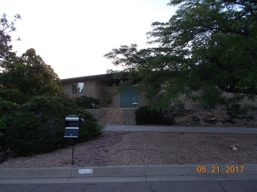 636 Running Water Circle SE, Albuquerque, NM 87123