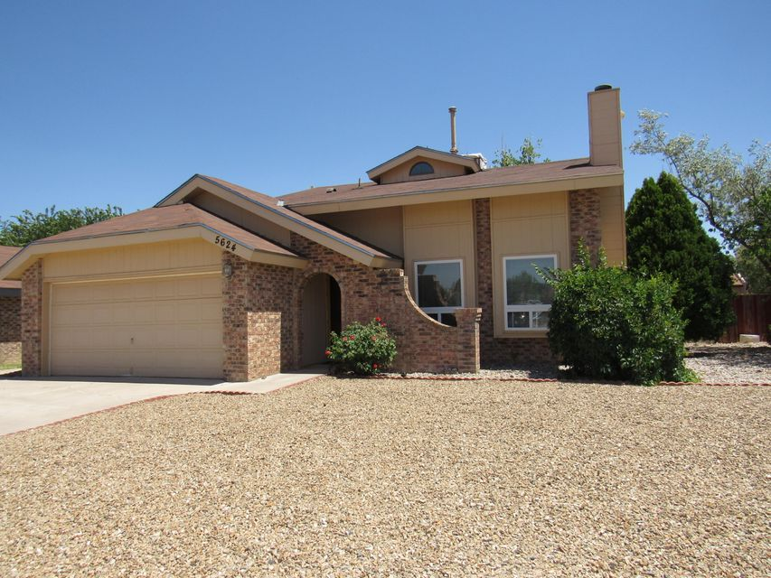 5624 Kachina Street NW, Albuquerque, NM 87120