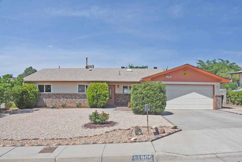 11905 Phoenix Avenue NE, Albuquerque, NM 87112