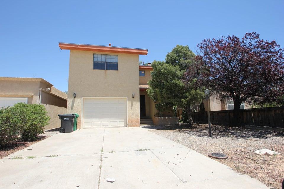 631 Lakeview Circle SE, Rio Rancho, NM 87124