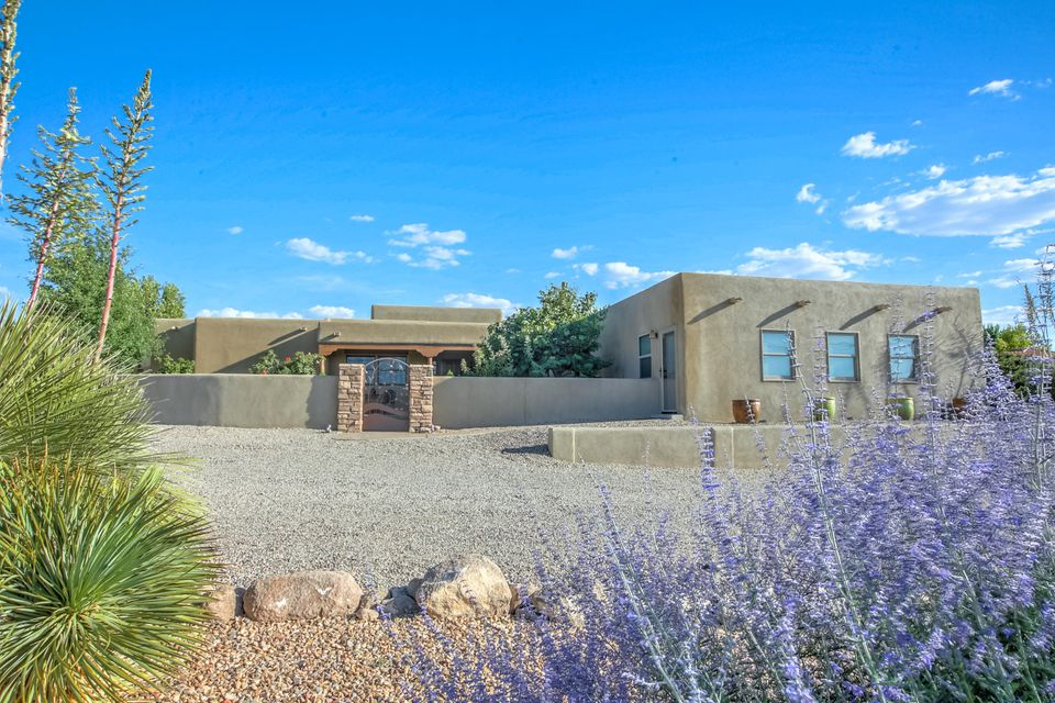 10520 Eagle Rock Avenue NE, Albuquerque, NM 87122