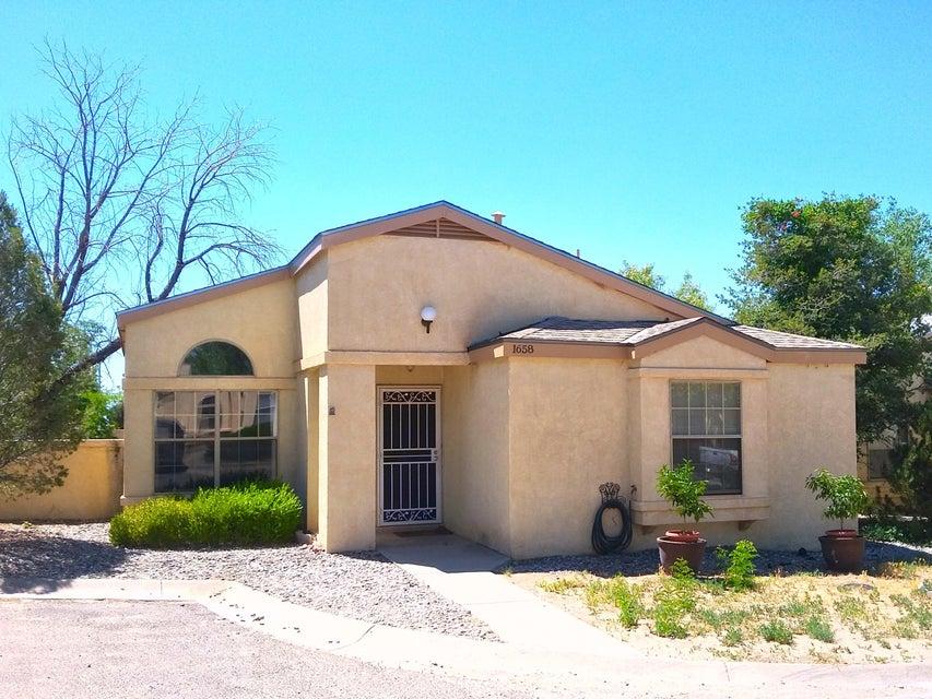 1658 Greenview Way NE, Rio Rancho, NM 87144
