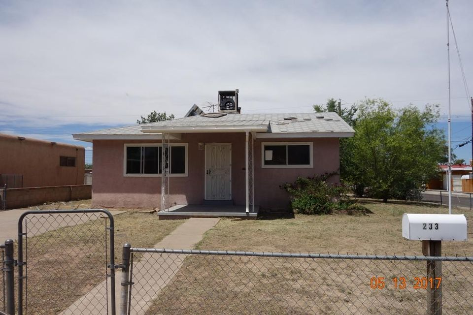 233 General Somervell Street NE, Albuquerque, NM 87123
