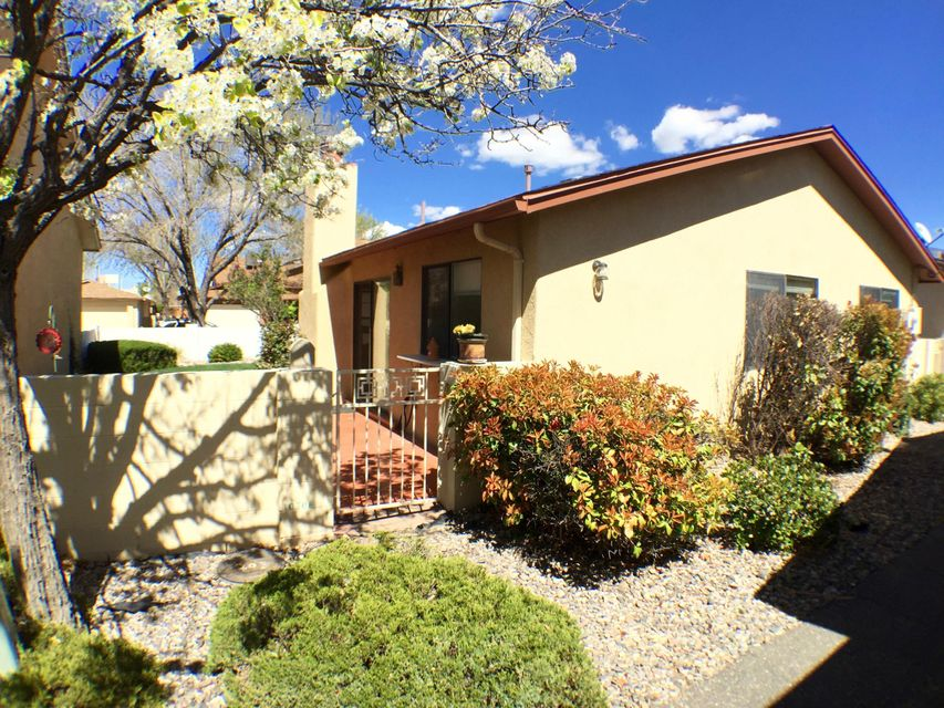 10708 Central Park Drive NE, Albuquerque, NM 87123