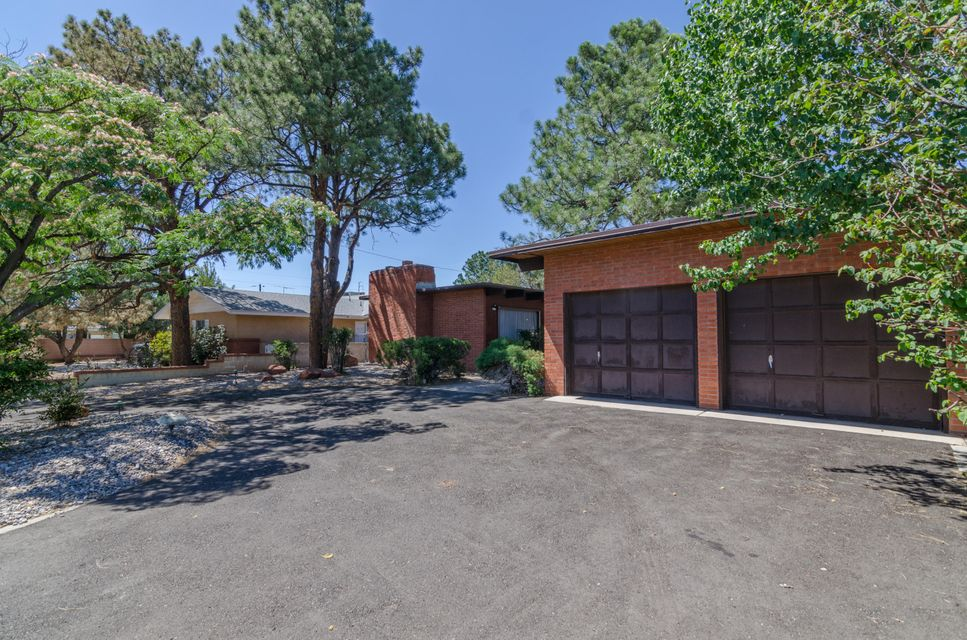 8421 La Palomita Road NE, Albuquerque, NM 87111