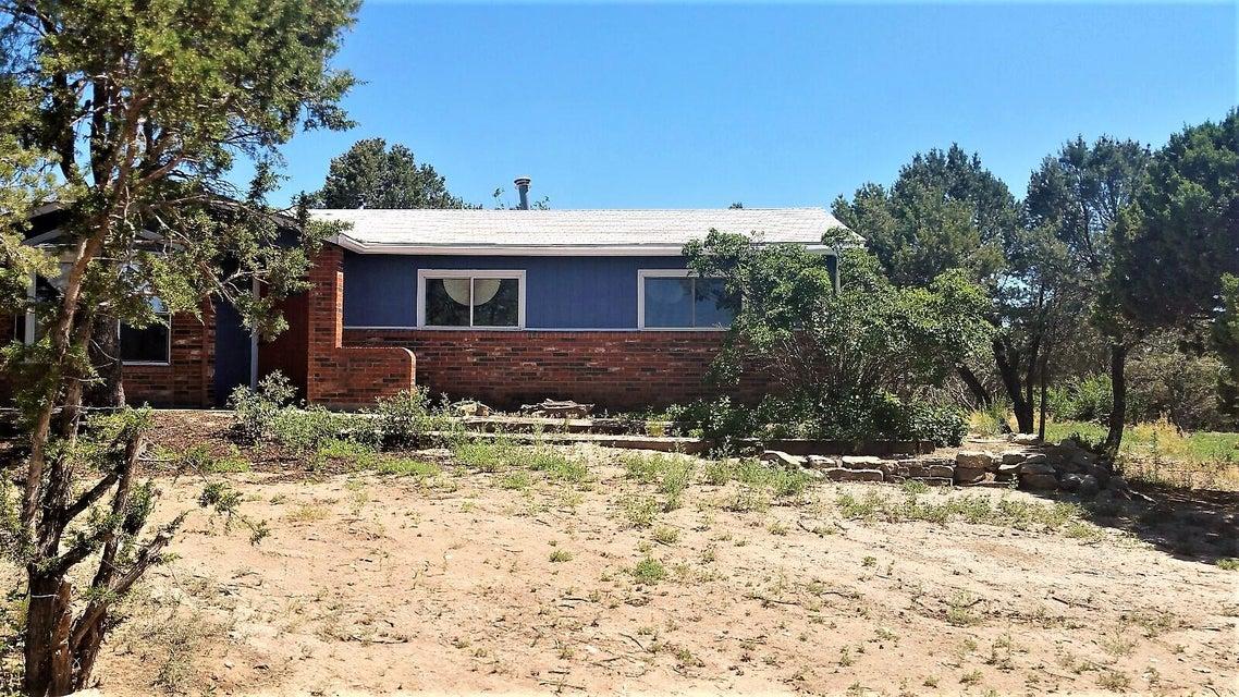 31 W Willard Road, Edgewood, NM 87015
