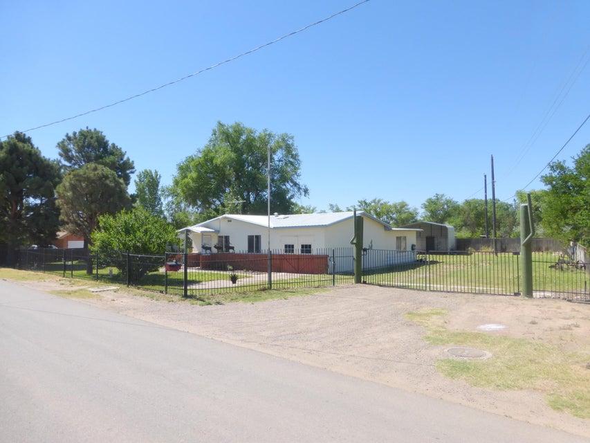 2124 Celeste Road SW, Albuquerque, NM 87105