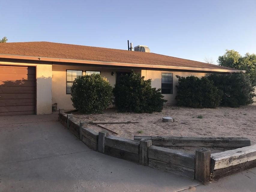 807 Lancelot Street, Los Lunas, NM 87031