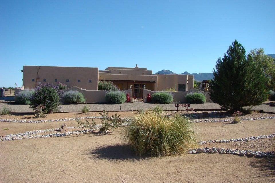 9909 San Francisco Road NE, Albuquerque, NM 87122