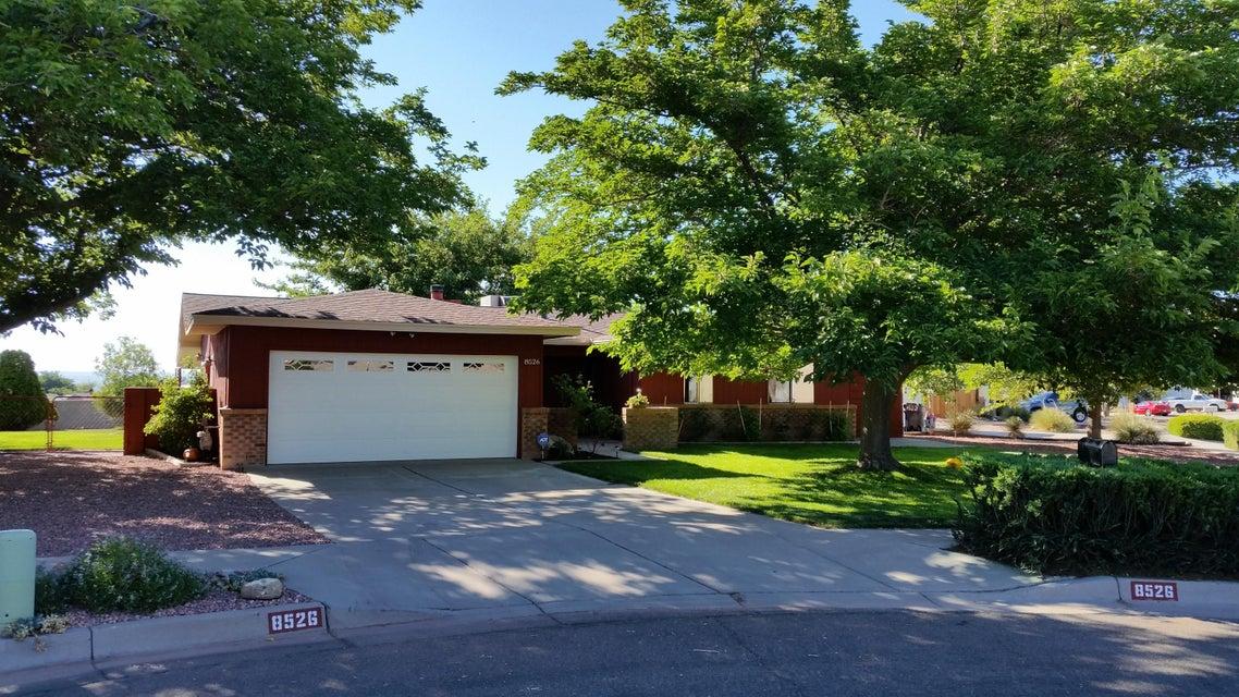 8526 Yeager Drive NE, Albuquerque, NM 87109