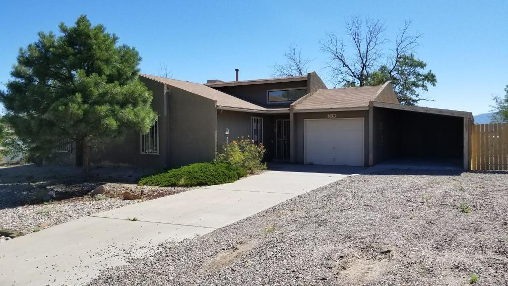 512 Sandstone Drive NE, Rio Rancho, NM 87124