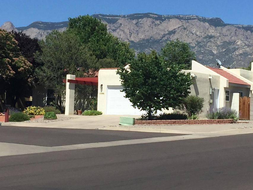 7200 Lew Wallace Drive NE, Albuquerque, NM 87109