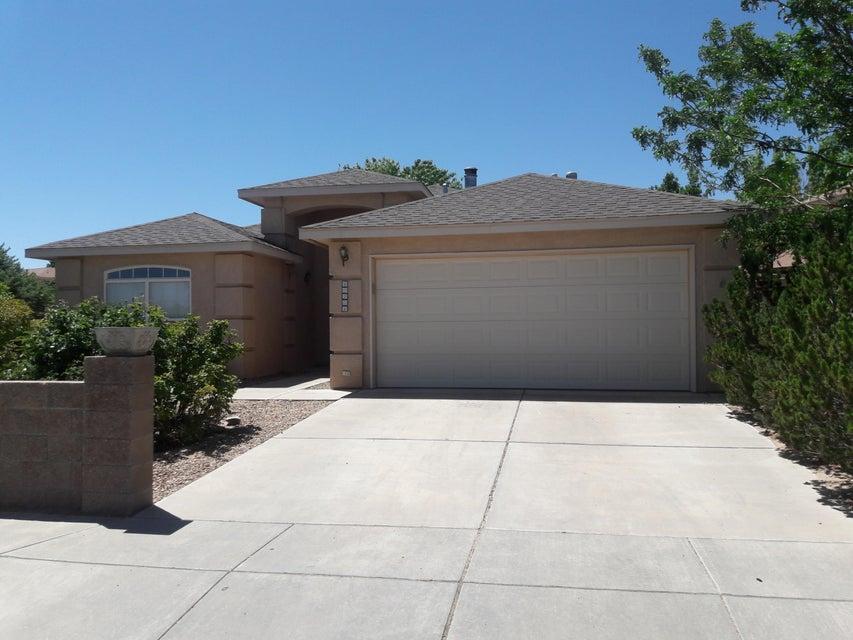 10201 Country Meadows Drive NW, Albuquerque, NM 87114