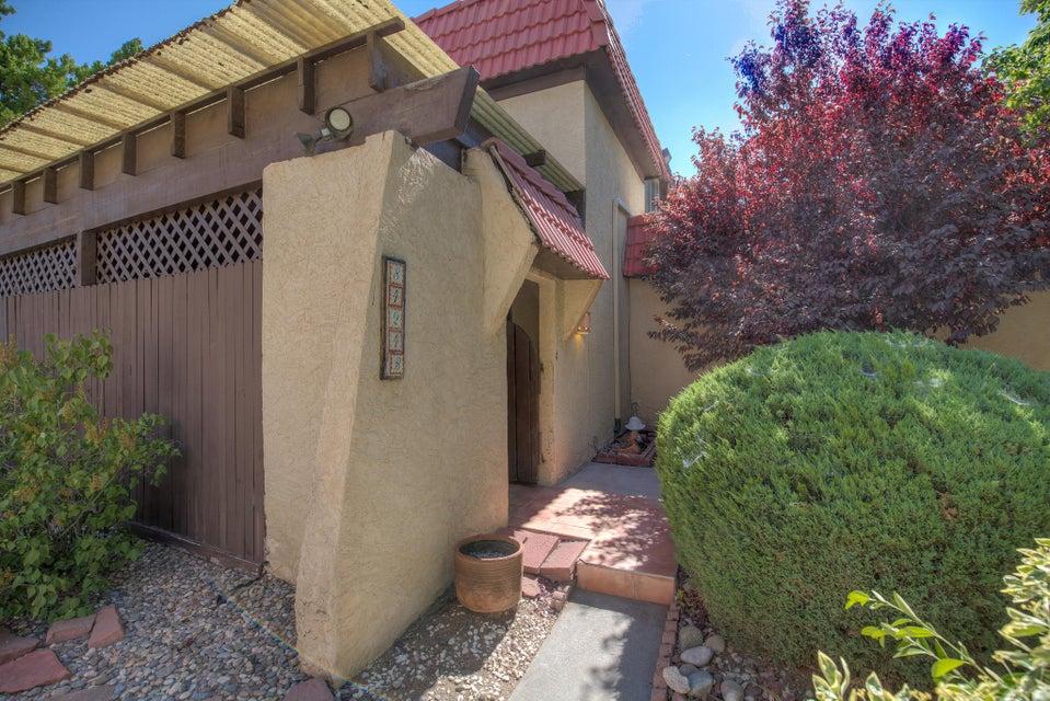 8424 Chambers Court NE APT B, Albuquerque, NM 87111