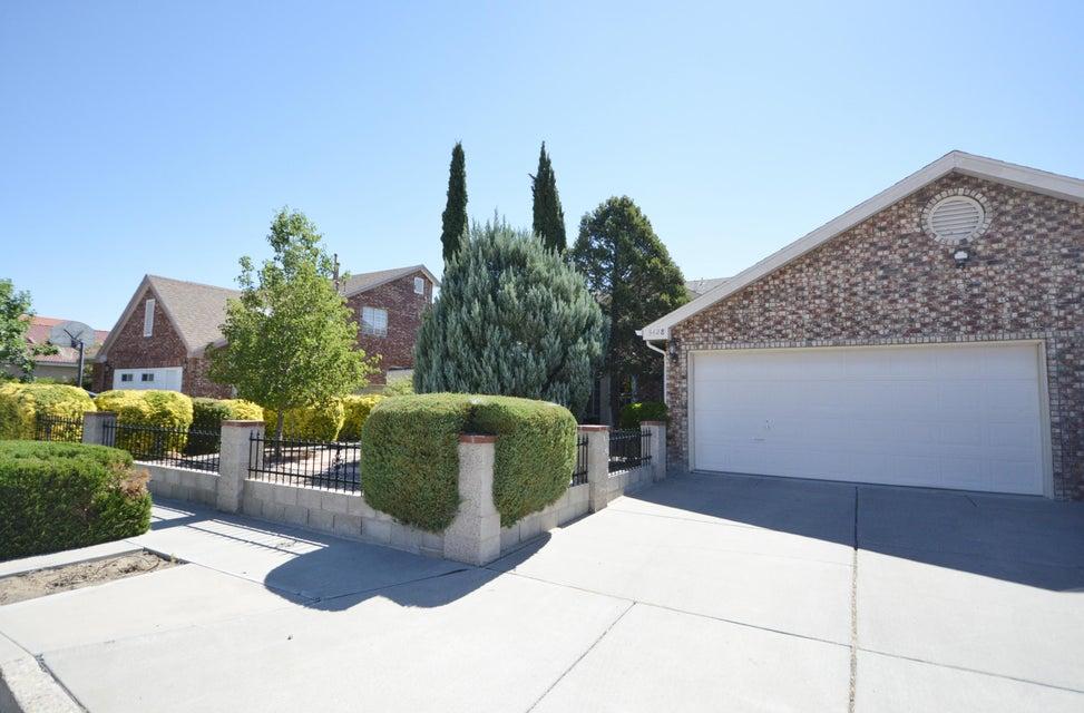 3428 Vista Del Sur Street NW, Albuquerque, NM 87120