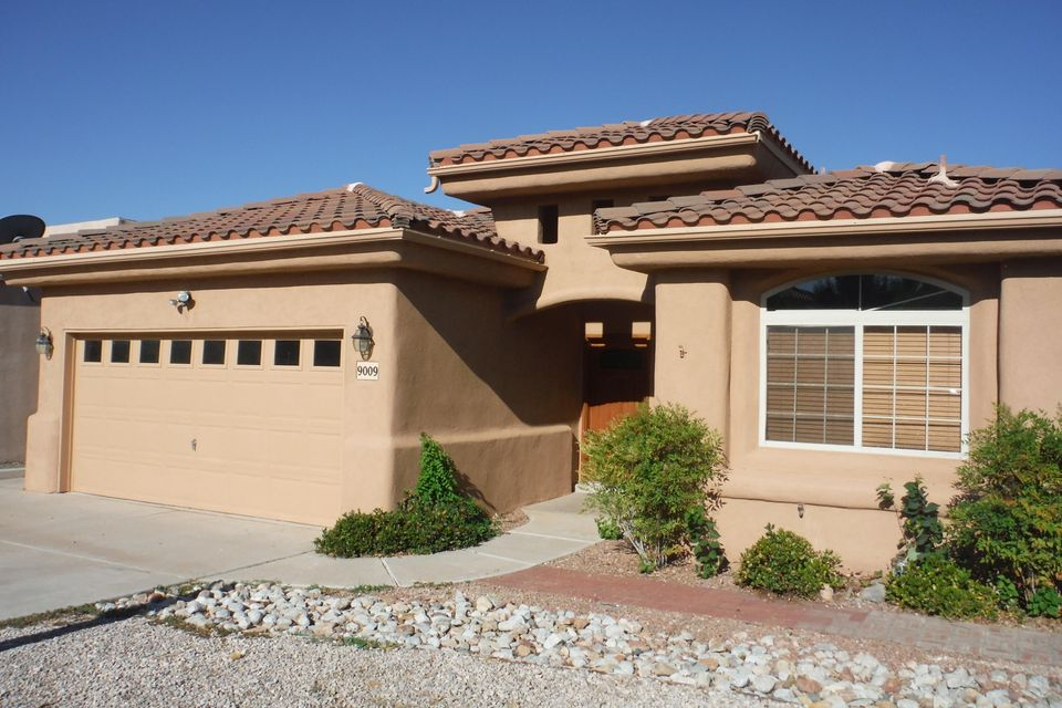 9009 Sunny Brook Street NE, Albuquerque, NM 87113