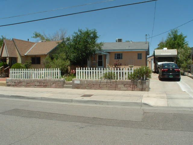 219 Arvada Avenue NE, Albuquerque, NM 87102