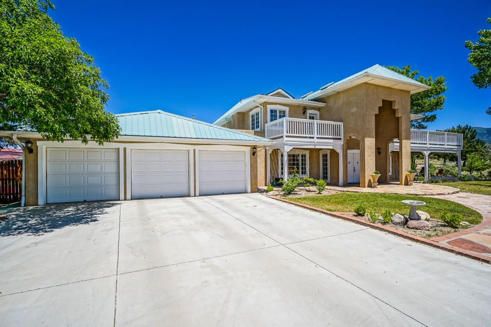 11903 Del Rey Avenue NE, Albuquerque, NM 87122