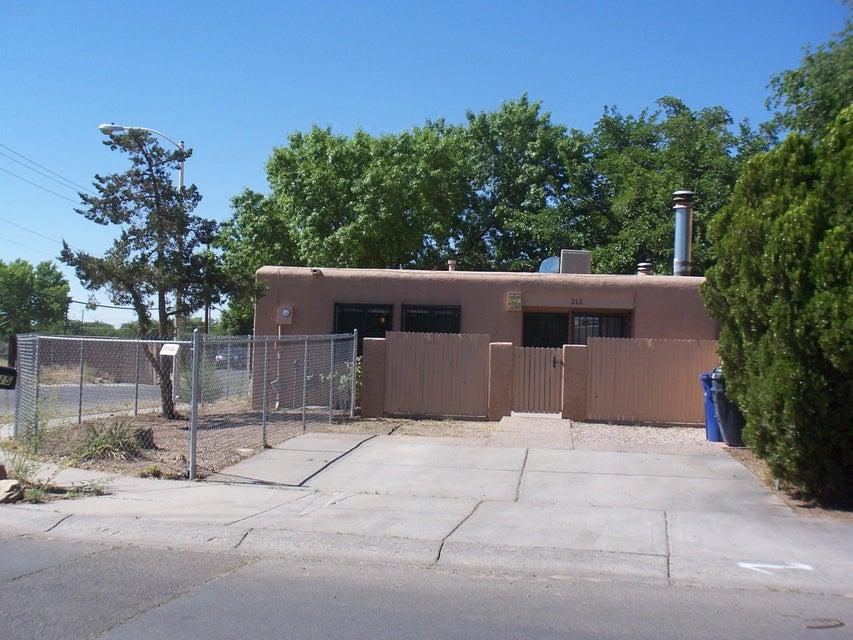 215 LA VIDA NUEVA DEL ESTE SW, Albuquerque, NM 87105