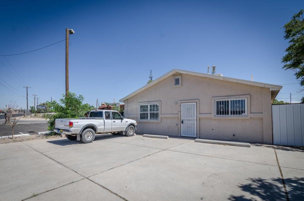 518 Gibson Boulevard SE, Albuquerque, NM 87102