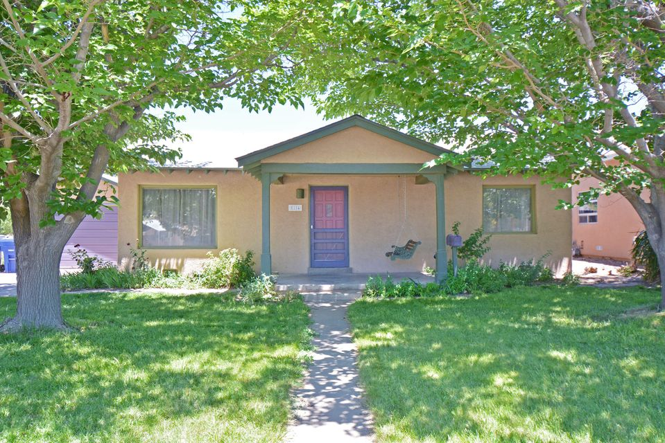 1104 Richmond Drive NE, Albuquerque, NM 87106