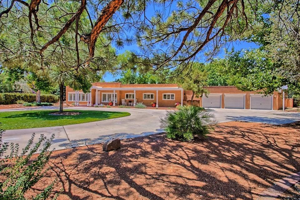 6401 Avenida La Cuchilla NW, Los Ranchos, NM 87107