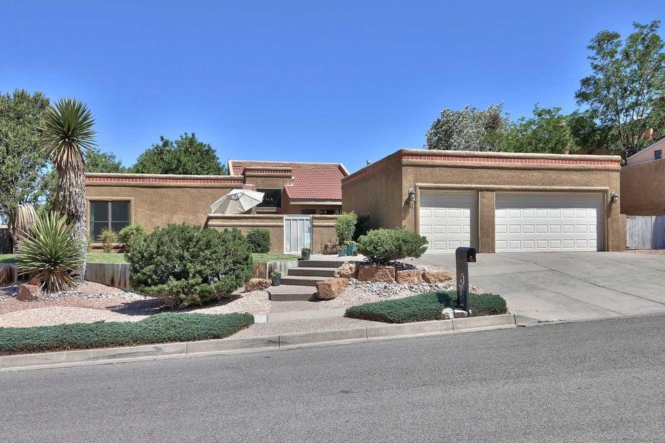 13111 Della Longa Lane NE, Albuquerque, NM 87111