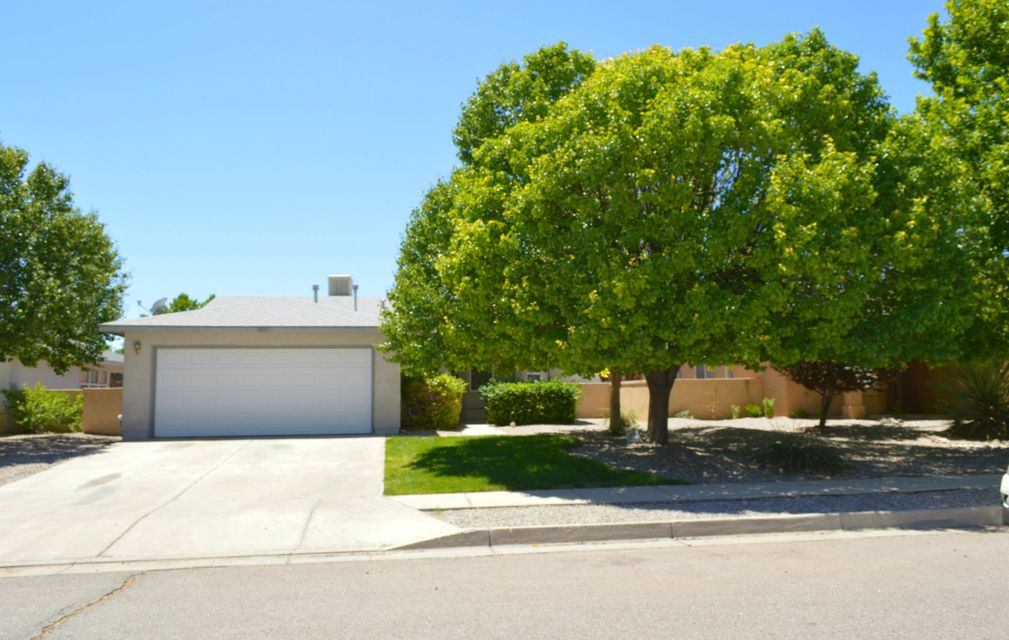 3037 Mason Meadows Drive NE, Rio Rancho, NM 87144