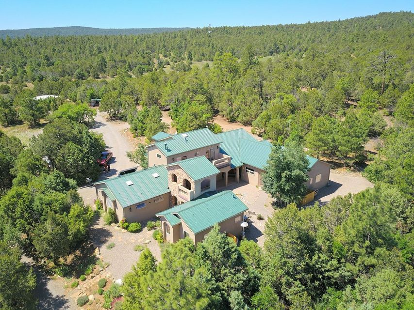 29 Upper Juan Tomas Road, Tijeras, NM 87059