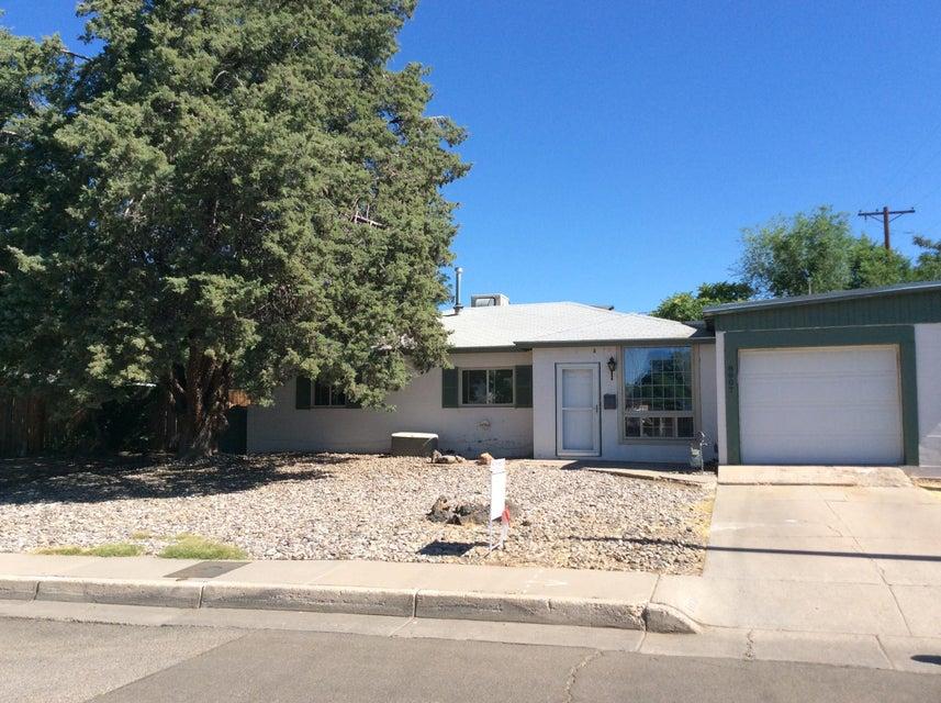 8807 Cordova Avenue NE, Albuquerque, NM 87112