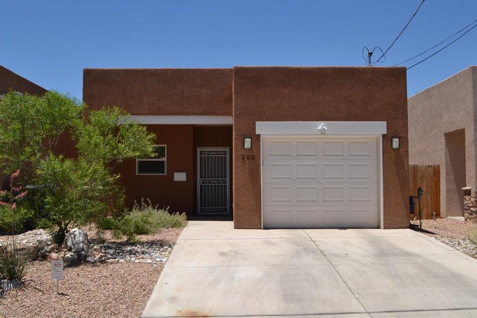 205 Laguna Boulevard NW, Albuquerque, NM 87104